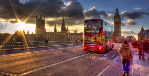 Los autobuses londinenses funcionan con combustible preparado con residuos de café
