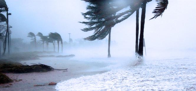 El huracán Ophelia es el más fuerte que ha visto Europa en toda su historia