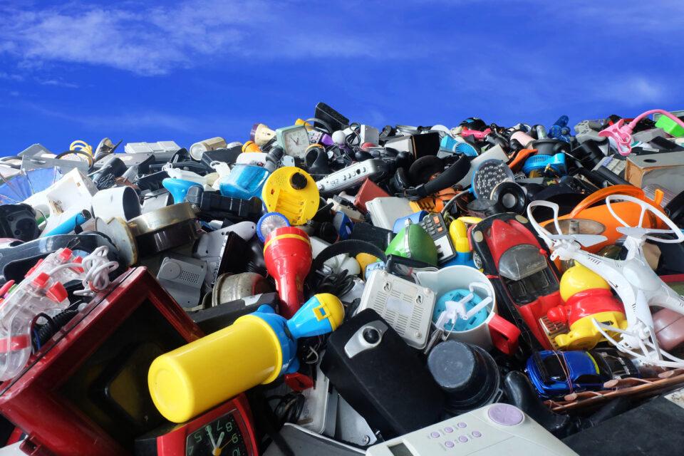 La revalorización de residuos multicomposición de las industrias del calzado, juguete y textil